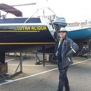 Zeilboot in jachthaven